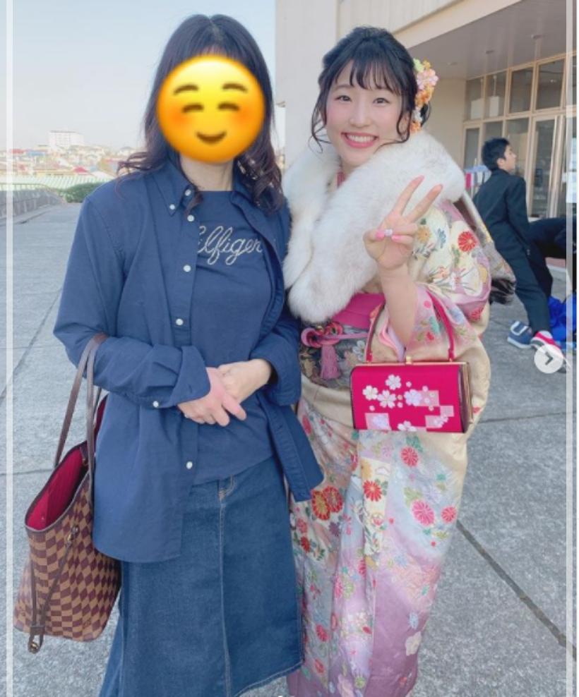 須崎優衣 成人式 振り袖 私服 かわいい