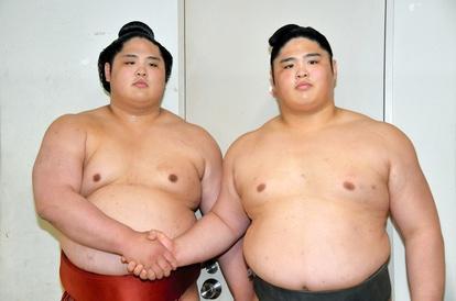 左:貴源治 右:兄の元貴ノ富士