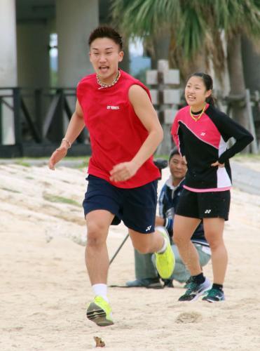 桃田賢斗選手と奥原希望選手 日本代表合宿で