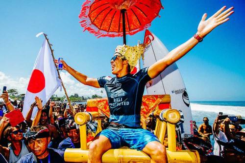 2019年「Corona Bali Protected」で優勝した五十嵐カノア選手