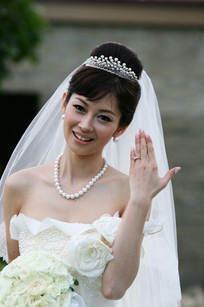 伊藤美咲 ウェディングドレス 結婚式