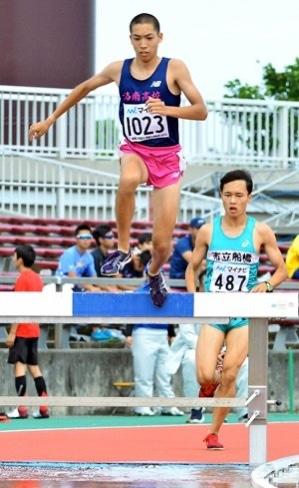 高校総体の陸上男子3000メートル障害で2位 三浦龍司